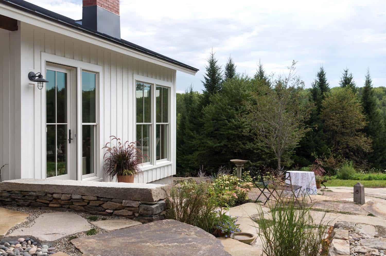 grange-ferme-traditionnelle-patio