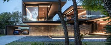 V60 House by WARchitect in Bangkok, Thailand