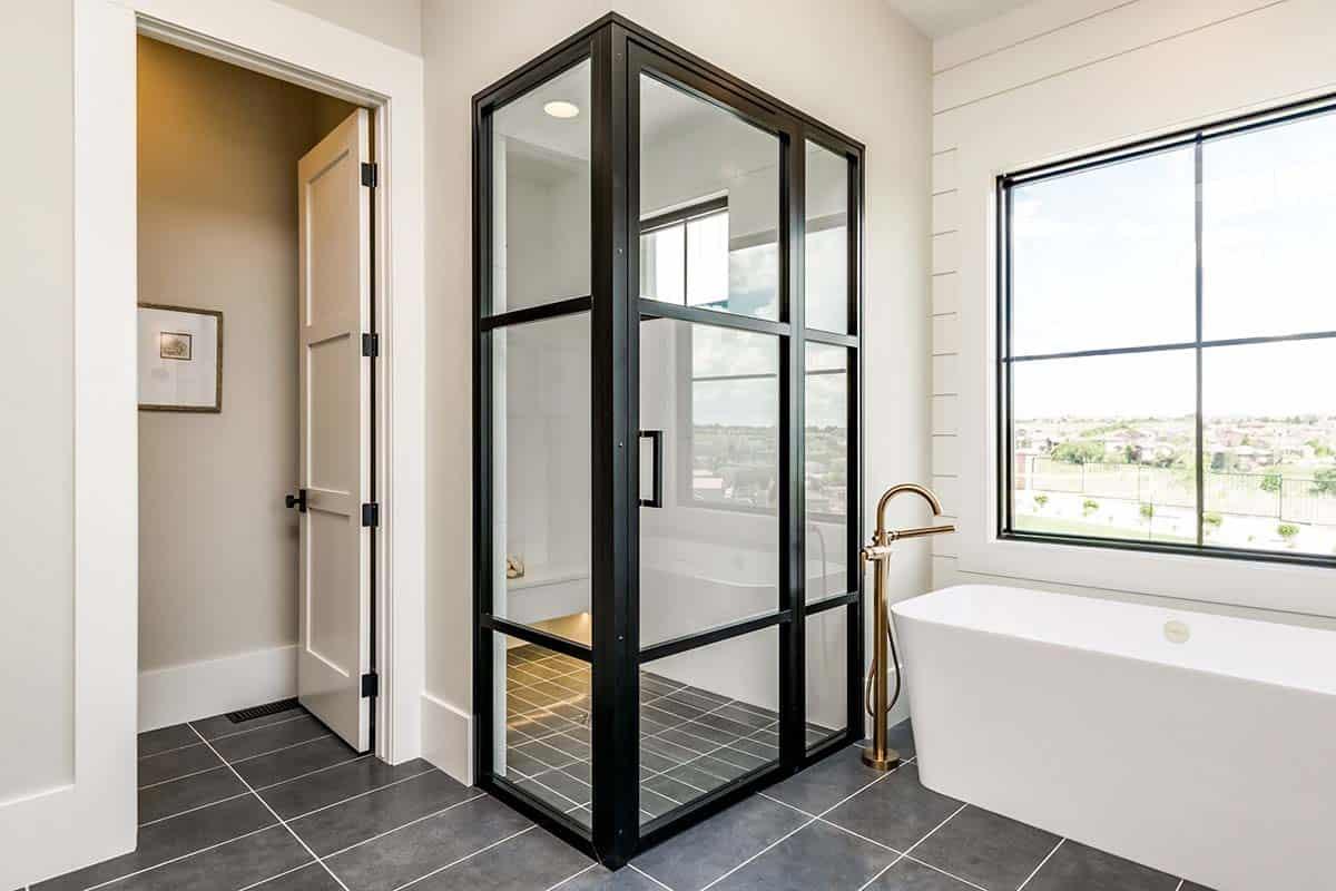 ferme-urbaine-salle-de-bain-douche