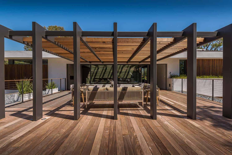 villa-moderne-terrasse-couverte-exterieur