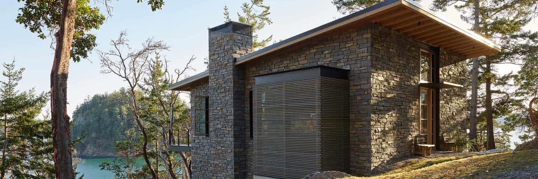 hillside-coastal-home-exterior