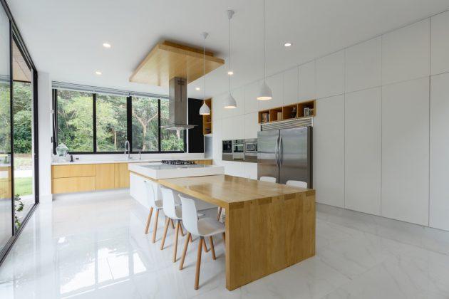 Casa La Blanca par Di Frenna Arquitectos à Colima, Mexique