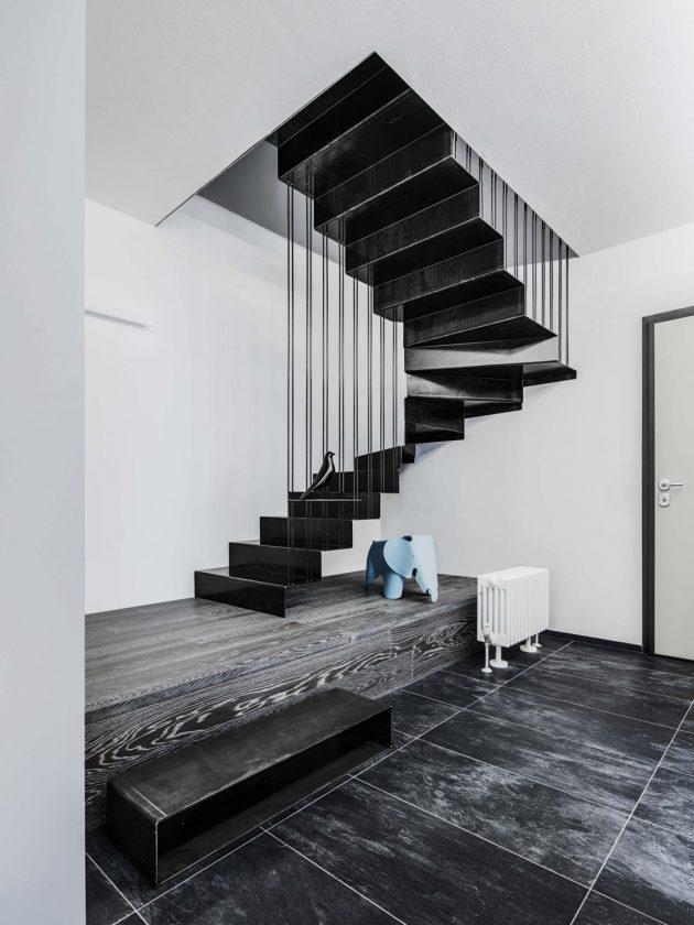 Des idées pour vous convaincre d'adopter la tendance des escaliers noirs