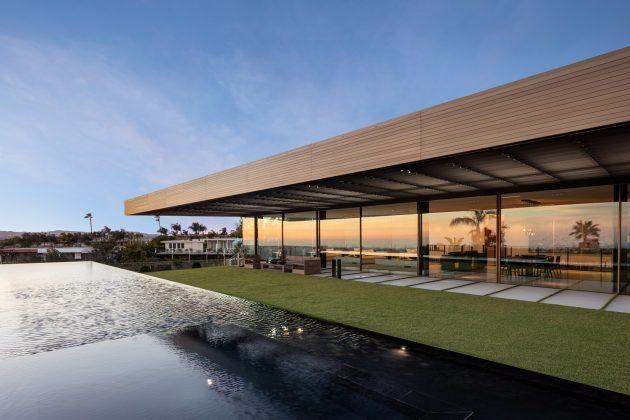 Maison de bronze sur Nightingale par SPF : architectes à Los Angeles, Californie