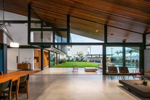 CR House par Obra Arquitetos à Sao Jose Dos Campos, Brésil