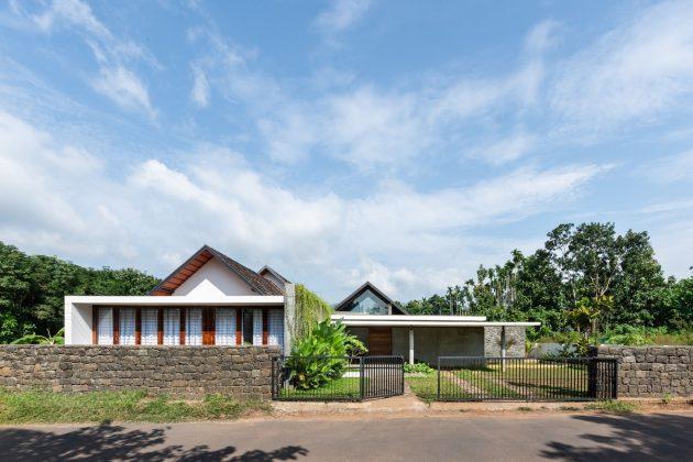 Maison CAER par Encasa Studio à Mampad, Inde