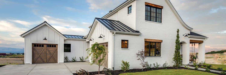 modern-farmhouse-model-home-exterior