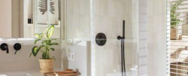 Un appartement avec une cuisine fabuleuse et des salles de bains vitrées à copier