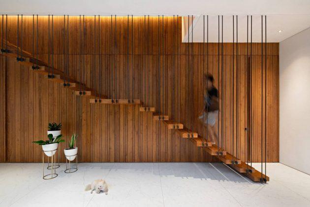 Entre 2 Courtyards House par eben en Indonésie