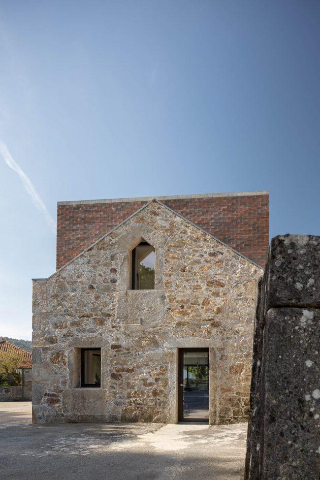 BOX de Tiago Sousa - Une maison dans une ruine au Portugal