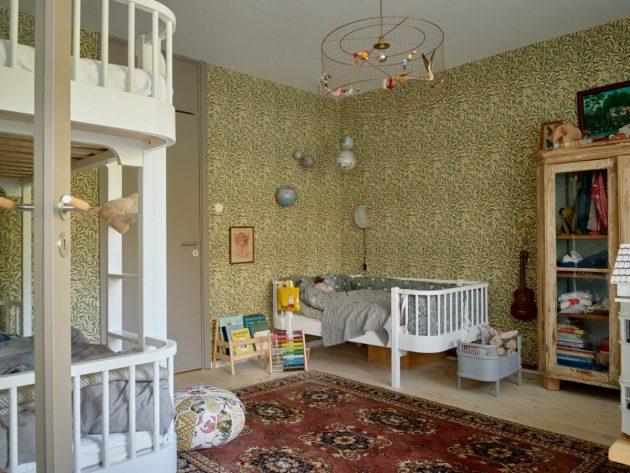 Chambre d'enfant avec lits superposés pour 3 enfants