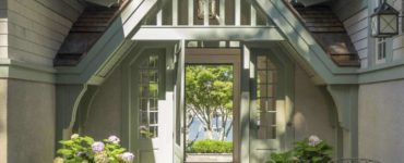 craftsman-style-cottage-exterior