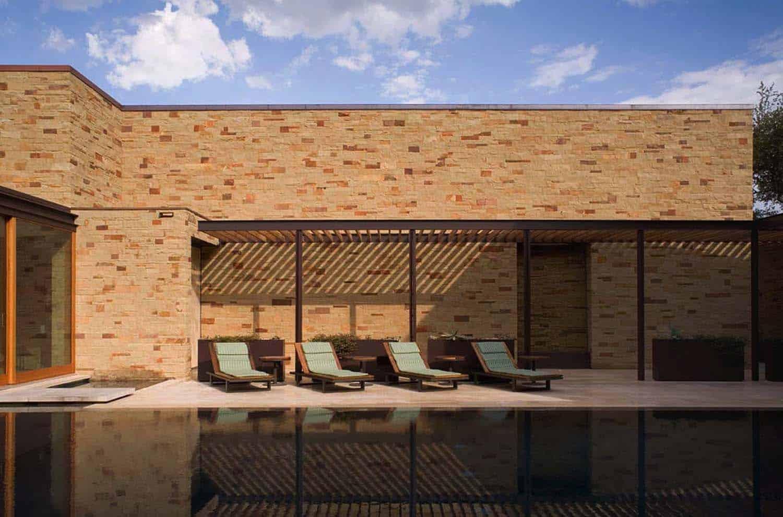 lac-travis-retreat-piscine-contemporaine