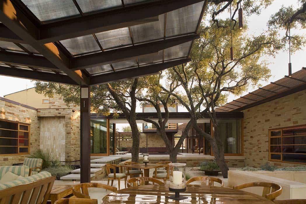 lac-travis-retraite-patio-contemporain