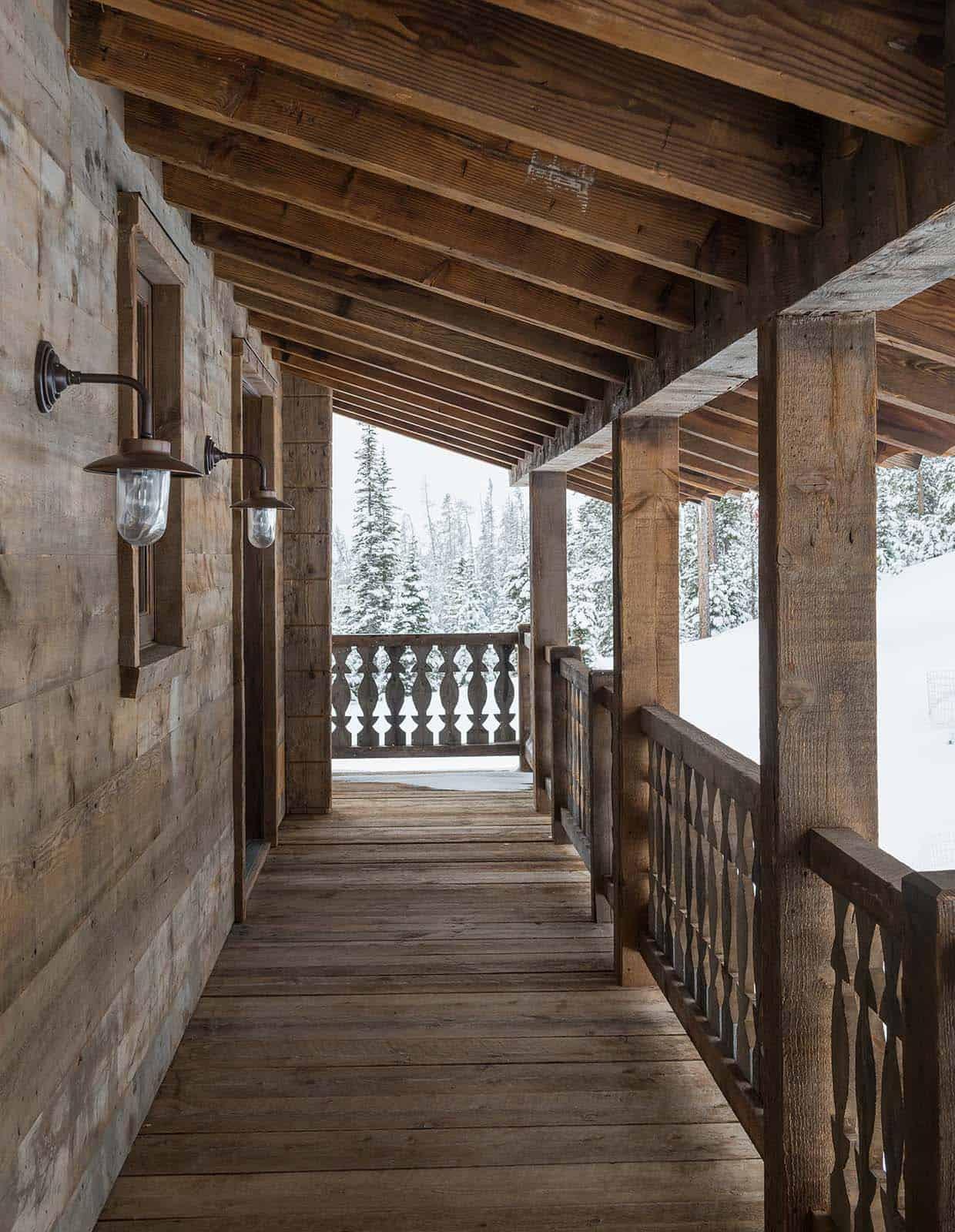 porche-de-maison-d'inspiration-chalet-suisse
