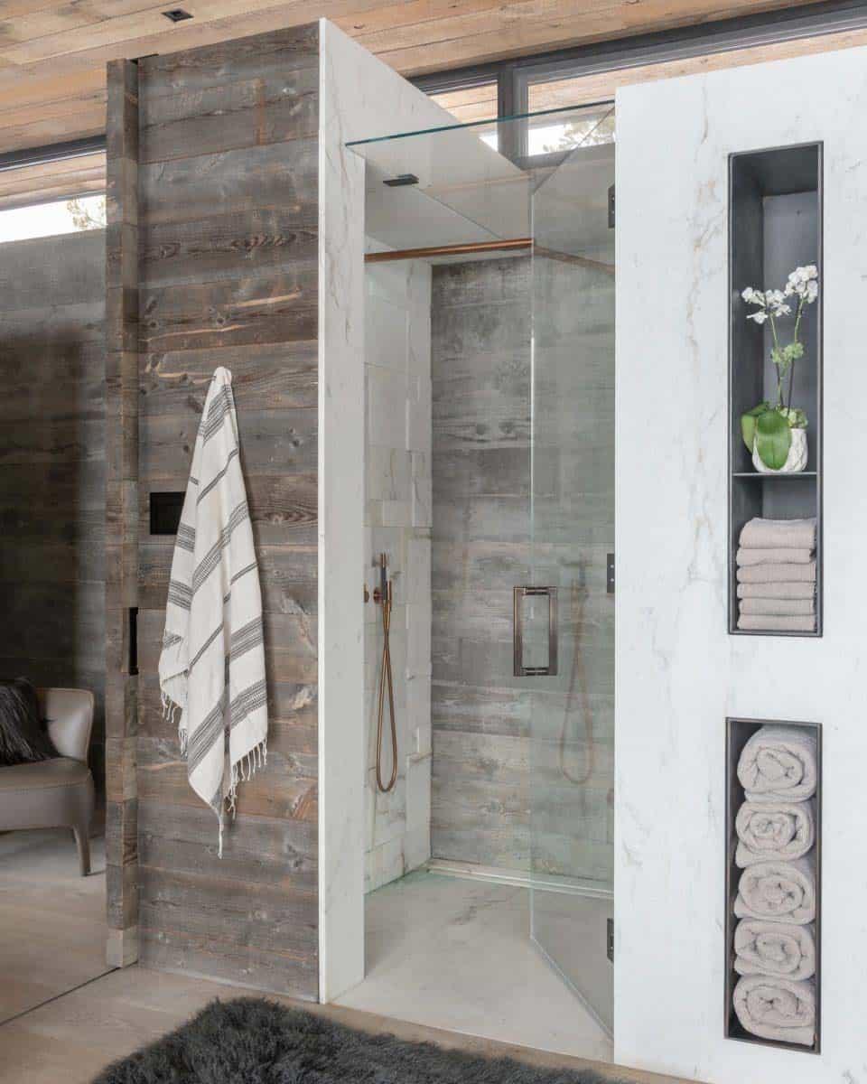 montagne-moderne-salle-de-bain-maîtresse-douche