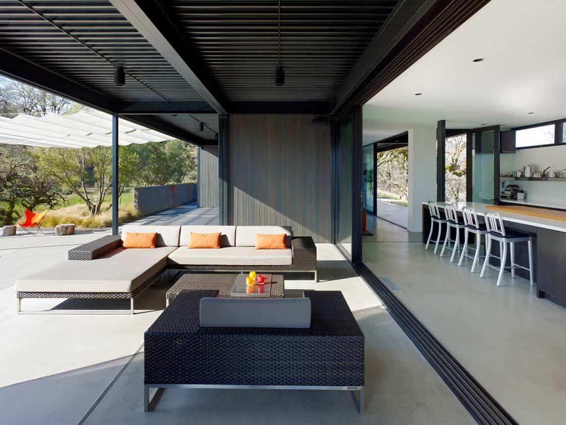 terrasse-couverte-de-maison-prefabriquée
