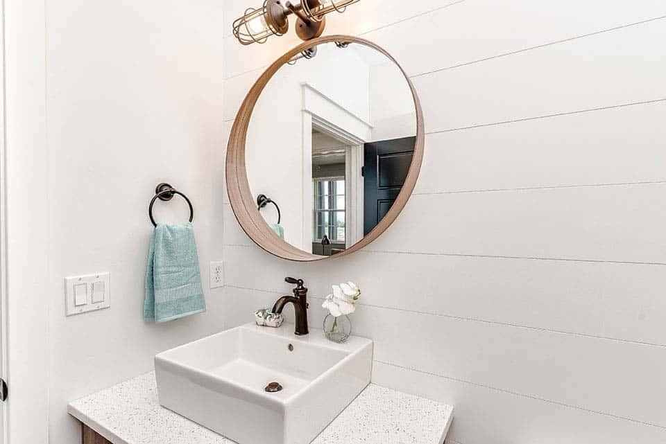 salle-de-bains-en-poudre-ferme-moderne