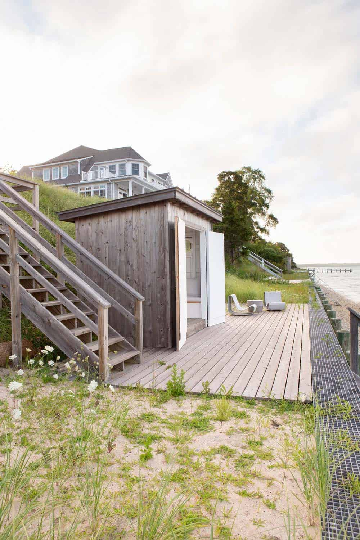 terrasse de style plage au bord de l'eau