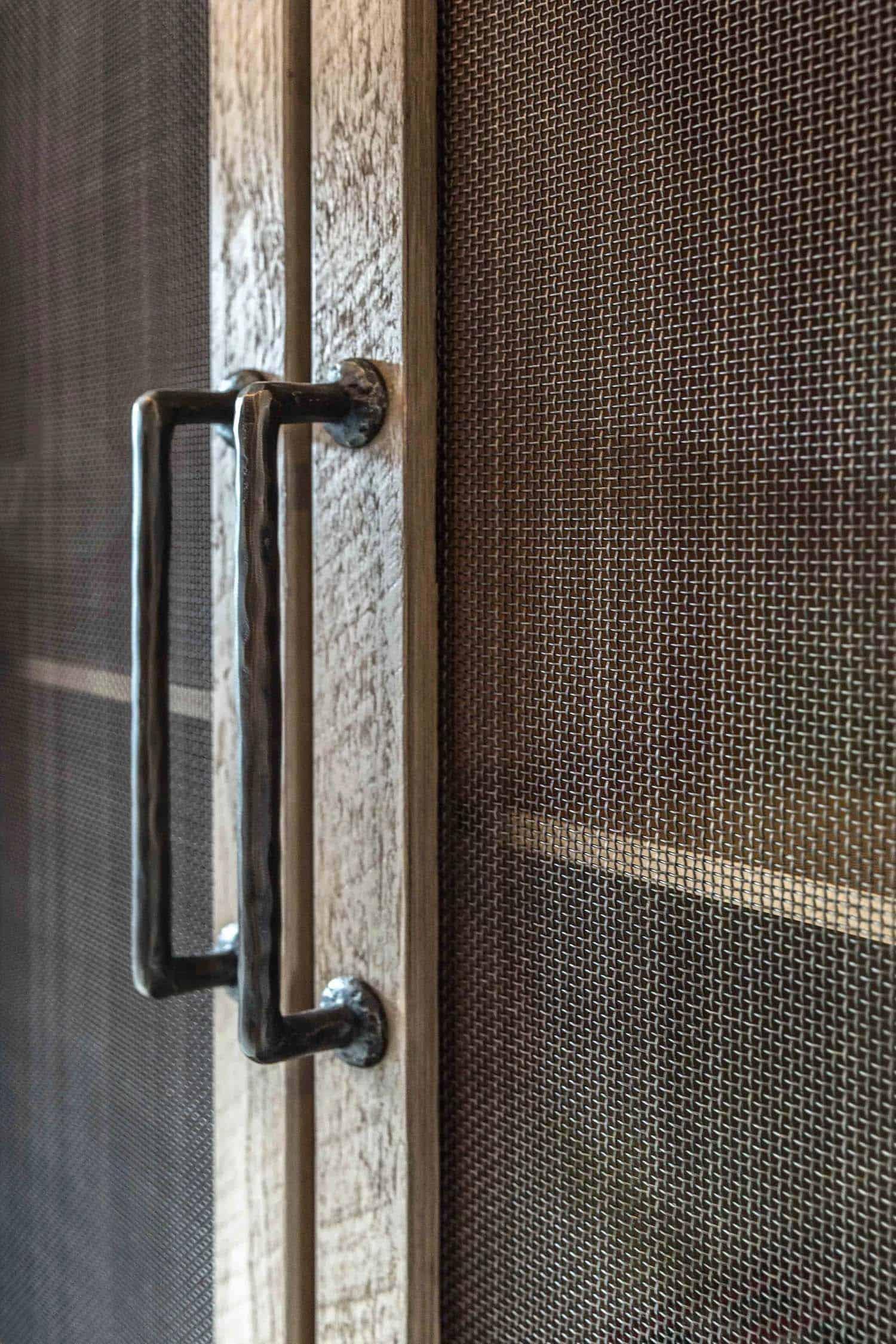 détail-armoire-rustique-contemporain