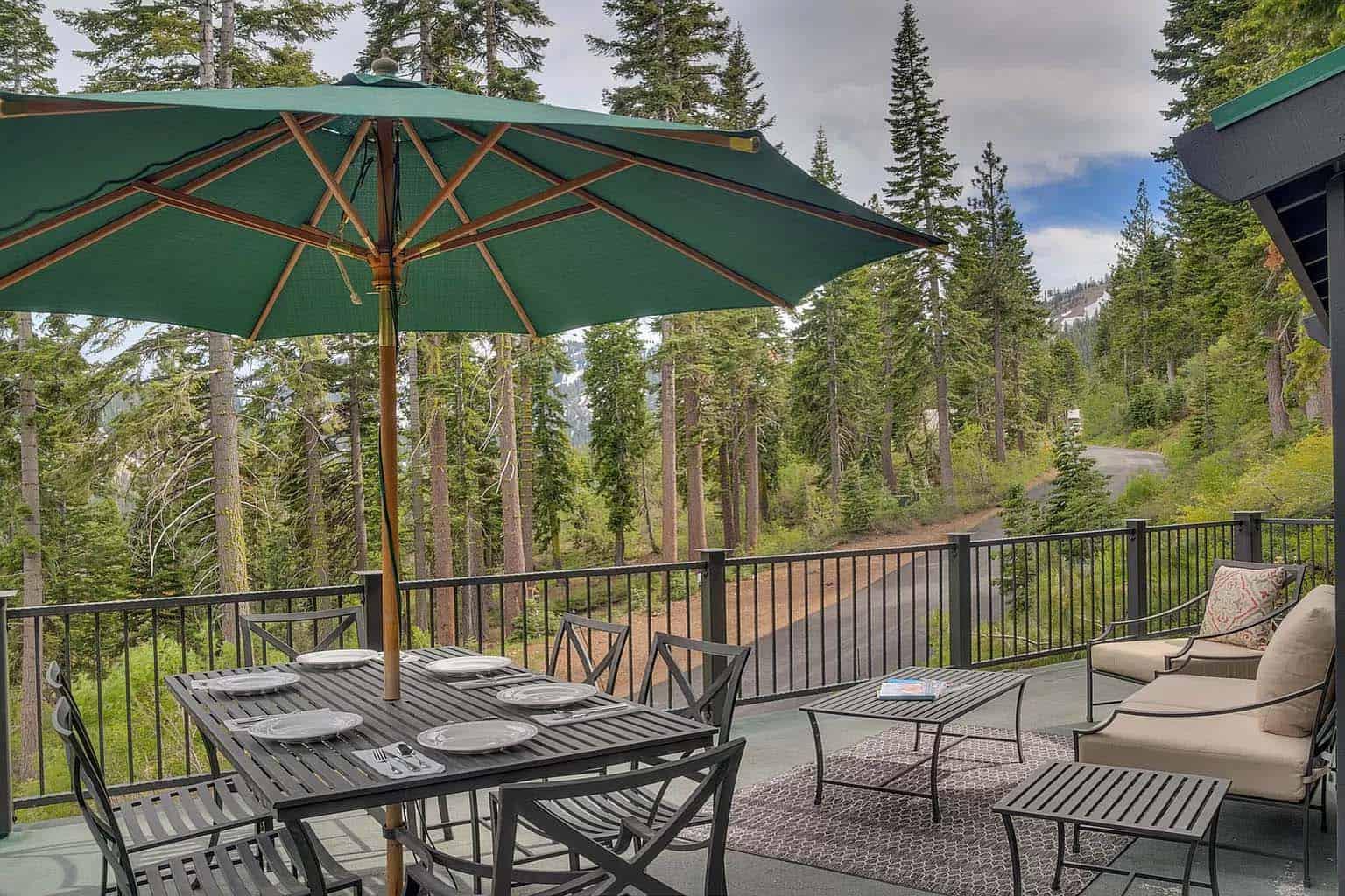 montagne-chalet-moderne-exterieur-patio
