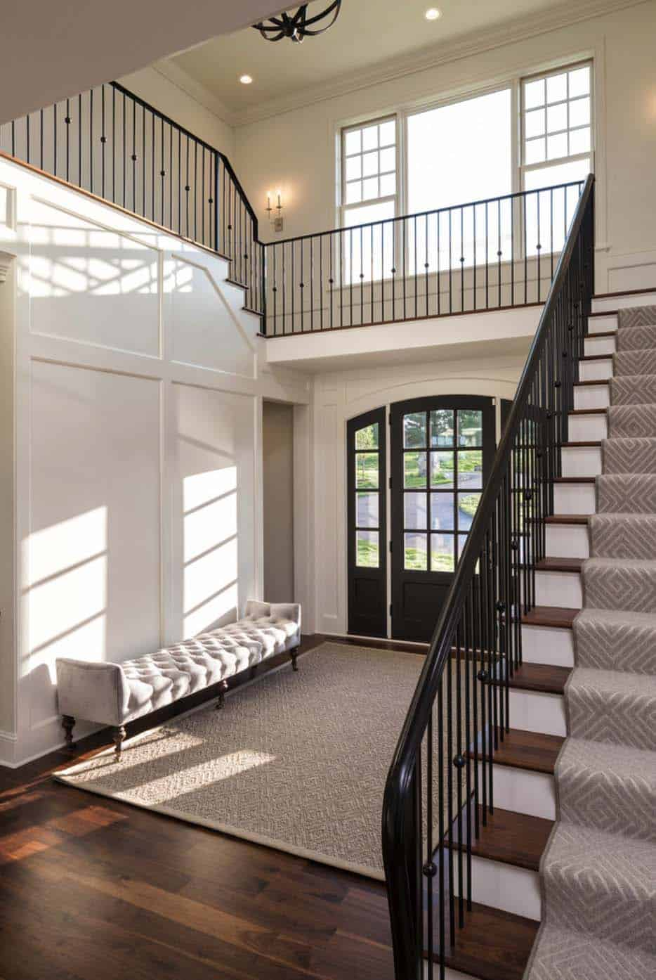 escalier-d'entrée-de-style-traditionnel