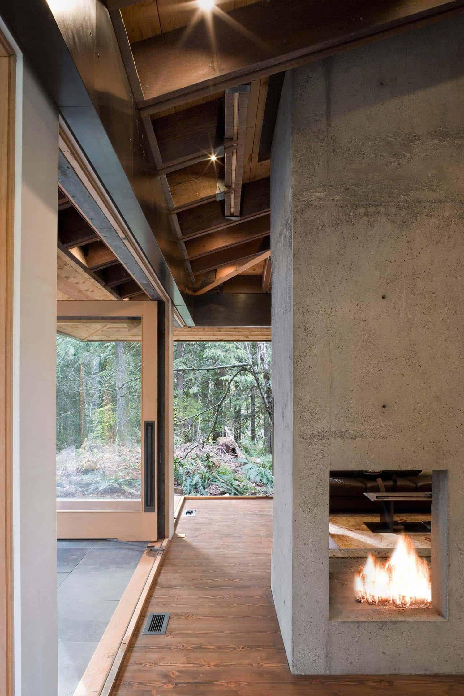 cheminée-de-salon-cabine-moderne-compacte