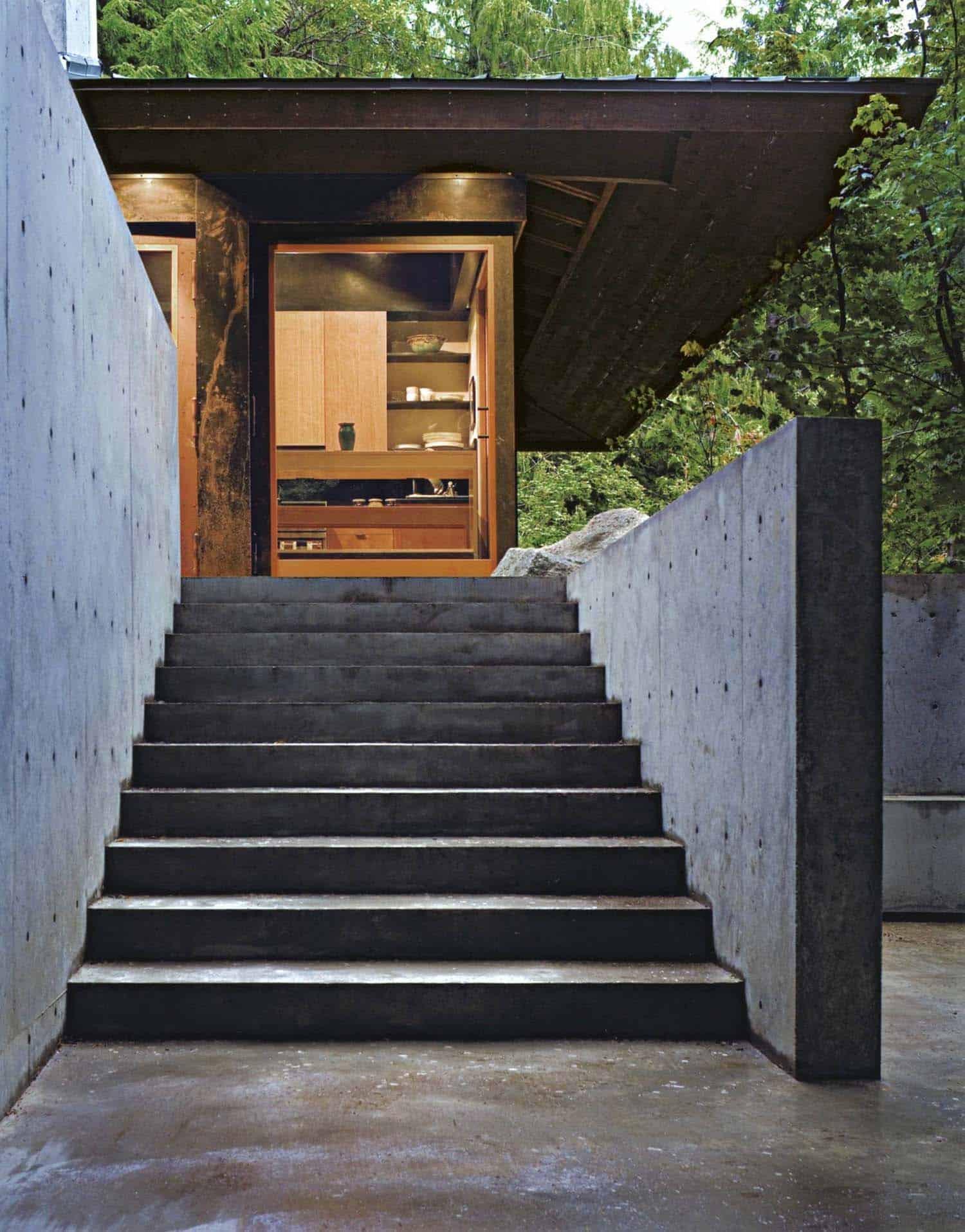 escalier-exterieur-cabine-moderne-compact