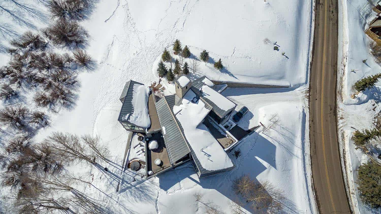 paysage-exterieur-maison-montagne-contemporaine