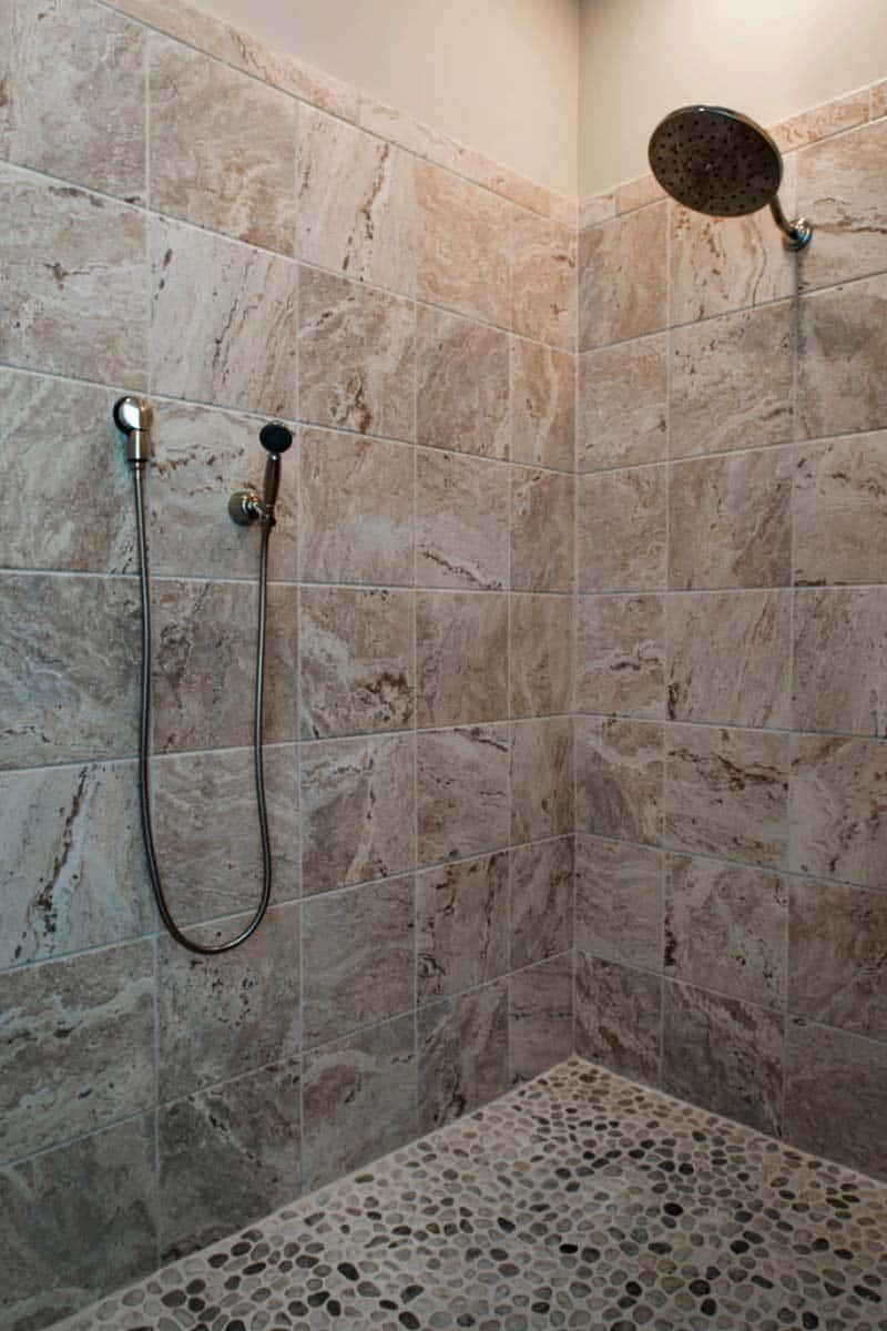 douche-salle-de-bains-rustique