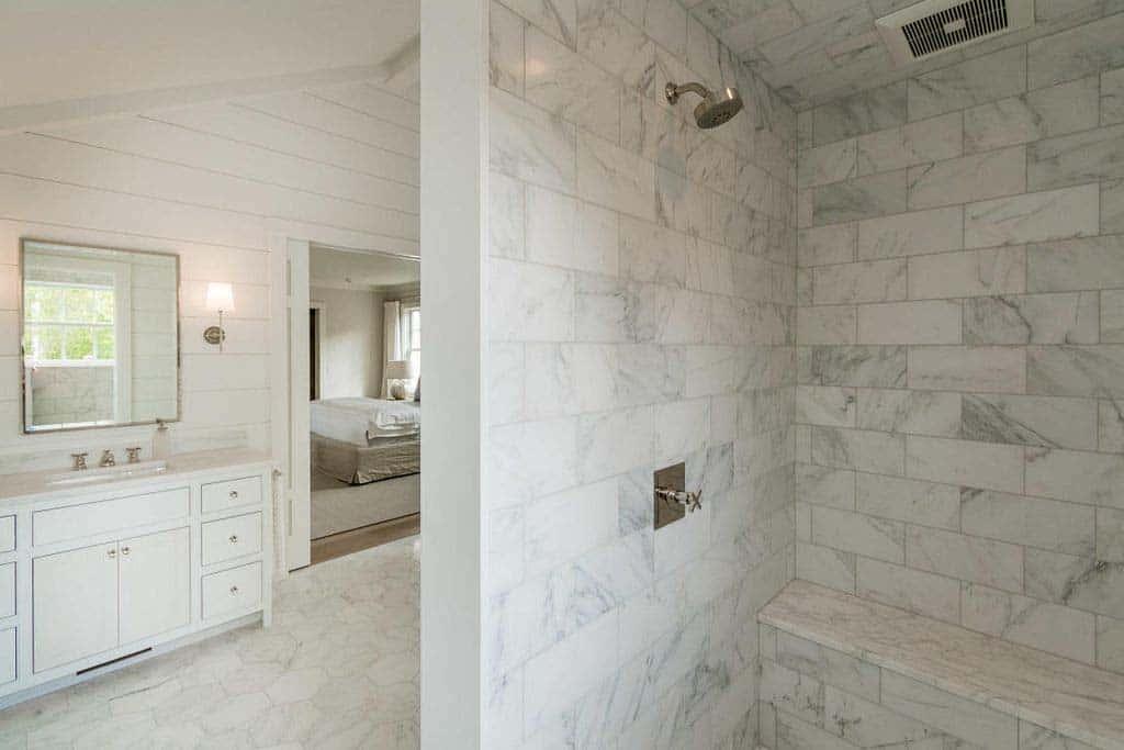 salle de bain-douche de style plage