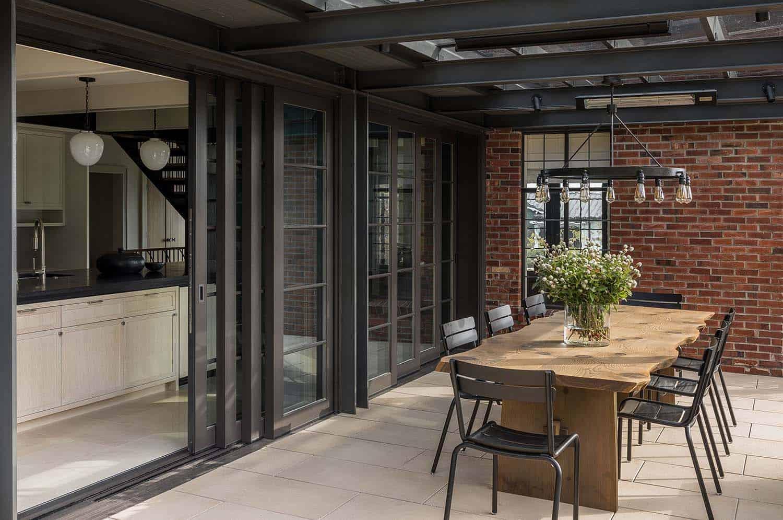 moderne-tudor-home-patio
