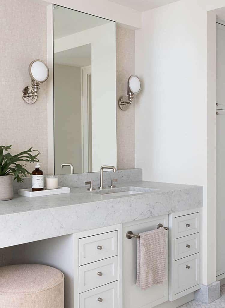 salle-de-bain-maison-moderne-tudor