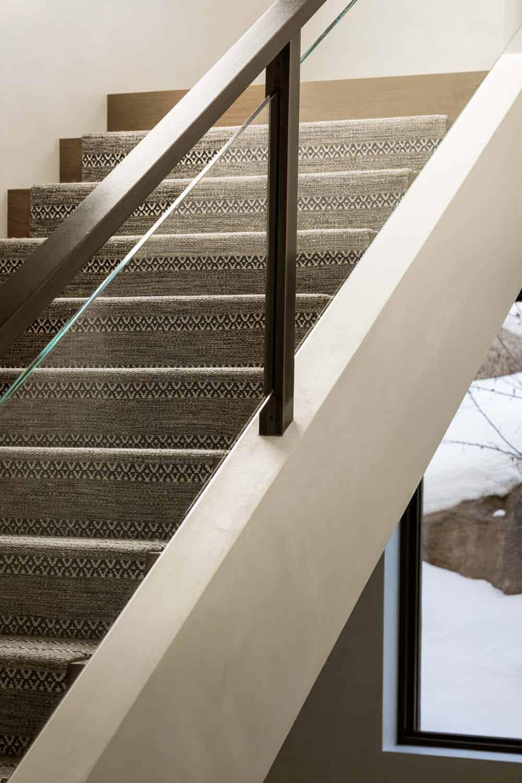 escalier-maison-montagne-moderne