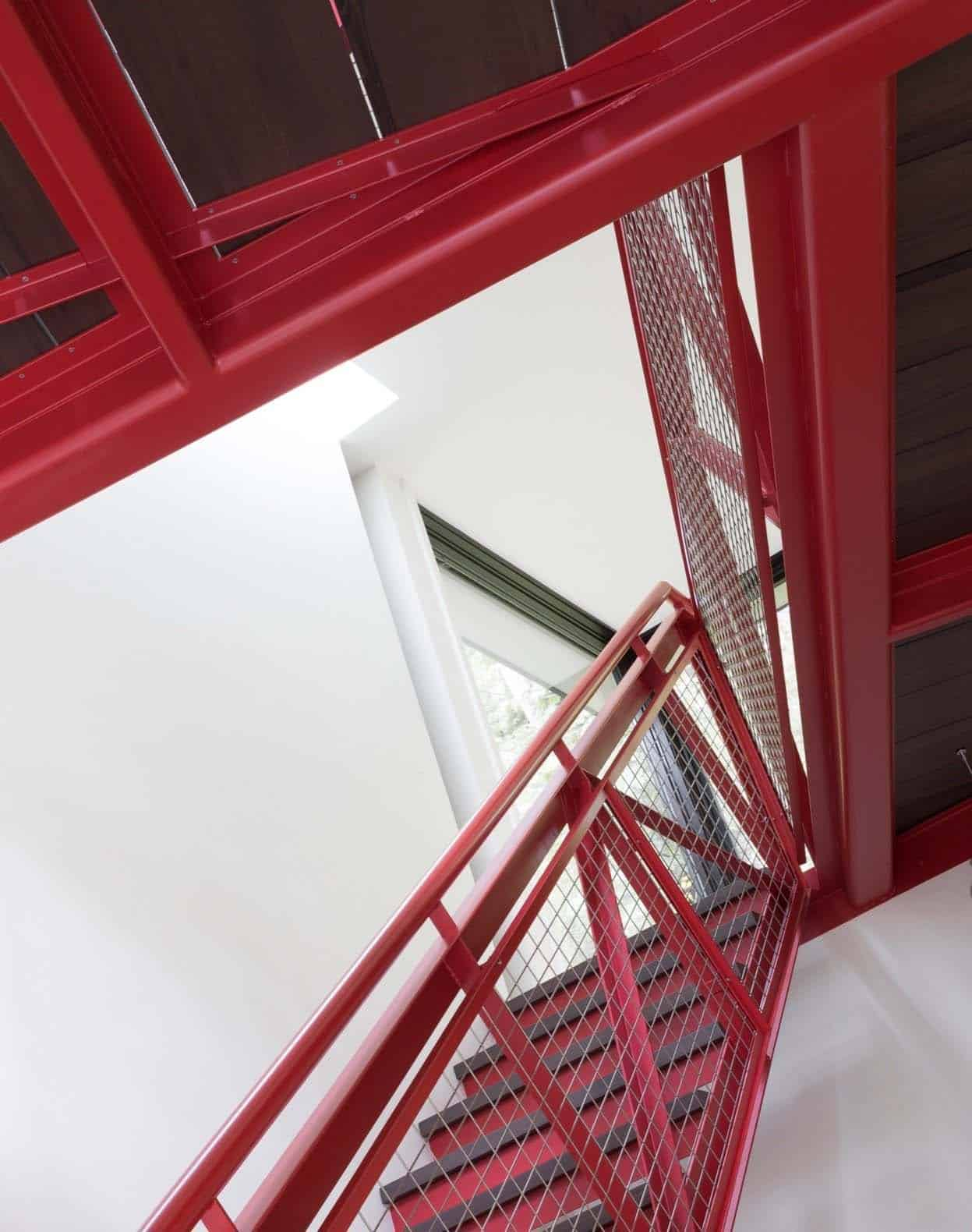 arbre-maison-escalier-moderne