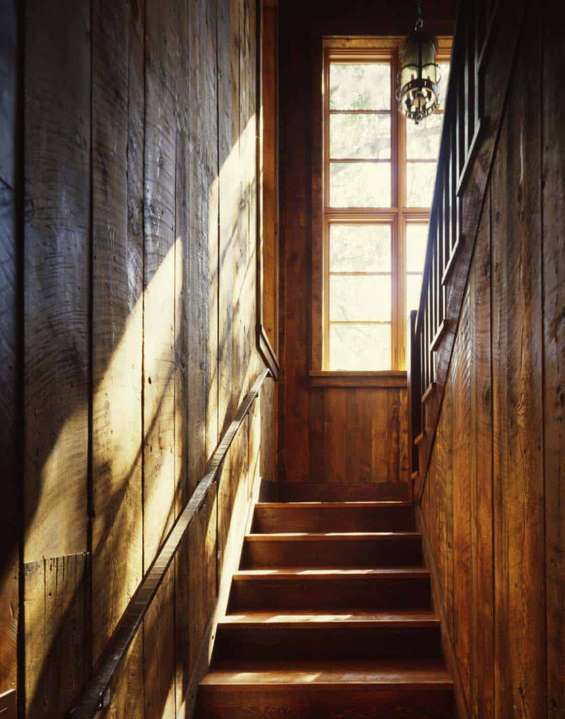 escalier-rustique-familial