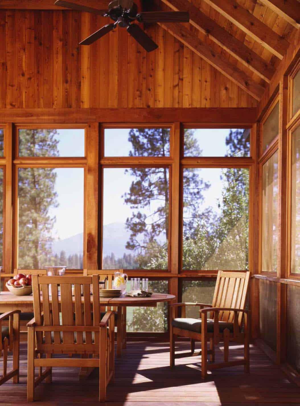 famille-ranch-rustique-porche