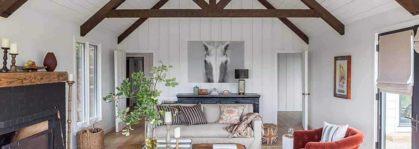 farmhouse-living-room
