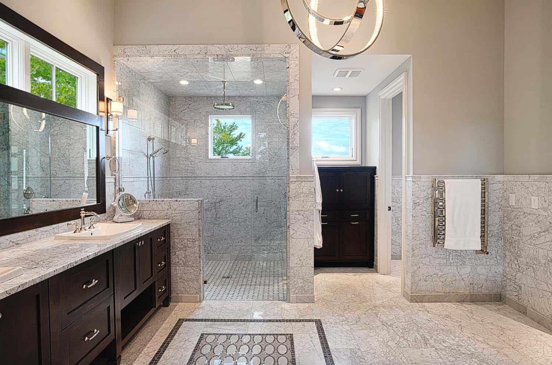 salle de bain principale de style traditionnel