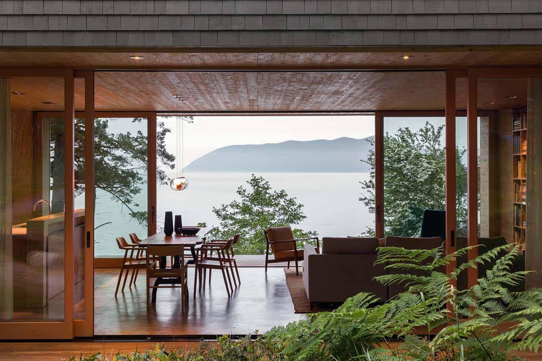 orcas-island-retreat-midcentury-salon