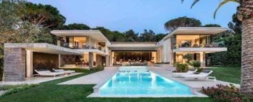 contemporary-summer-home-exterior-pool-saint-tropez
