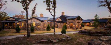farmhouse-rustic-ranch-style-exterior