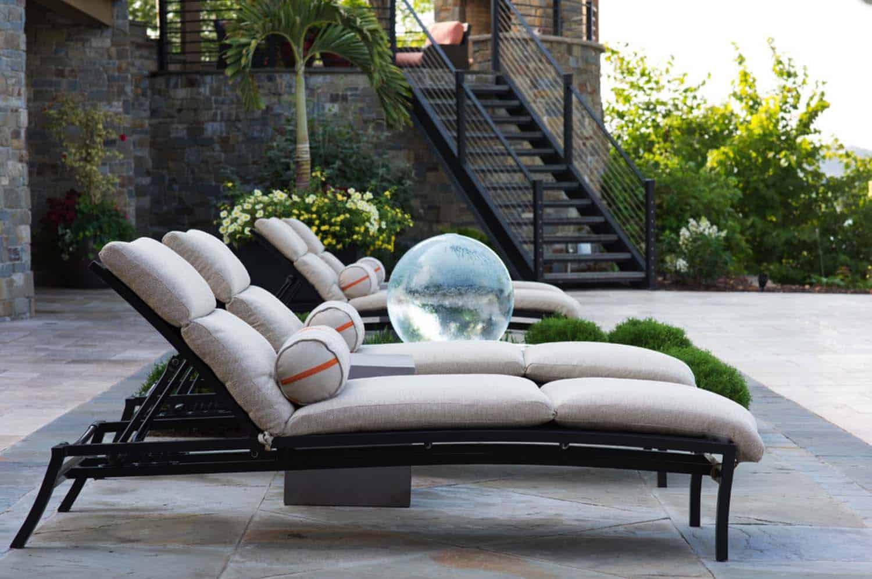 chaises-longues-de-piscine-modernes