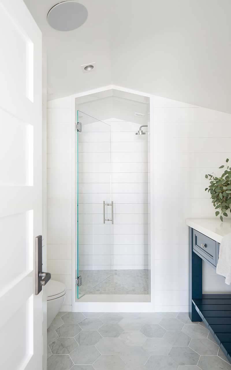 maison-de-plage-moderne-salle-de-bain-style-plage