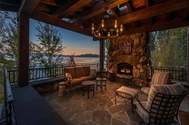 Lodge-style-home-patio