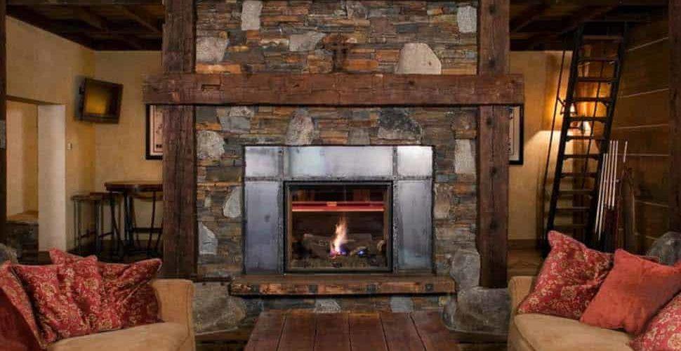 rustic-mountain-retreat-living-room