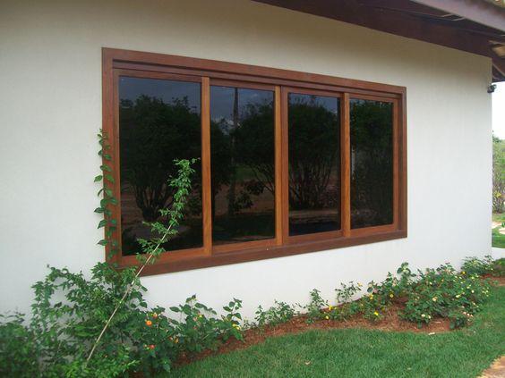 mettre du verre dans une fenêtre en bois