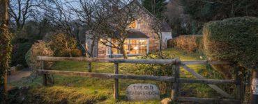 stone-cottage-exterior