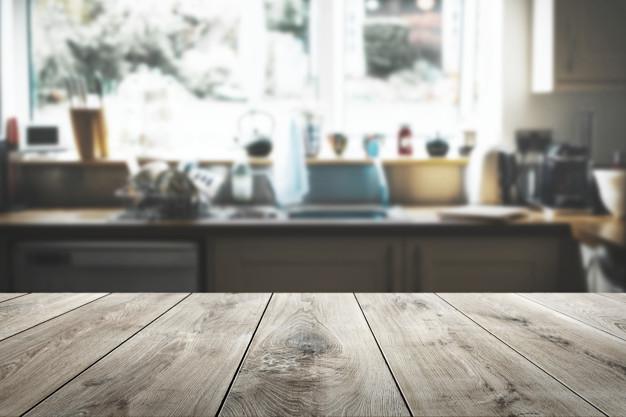 comment rénover une table en bois