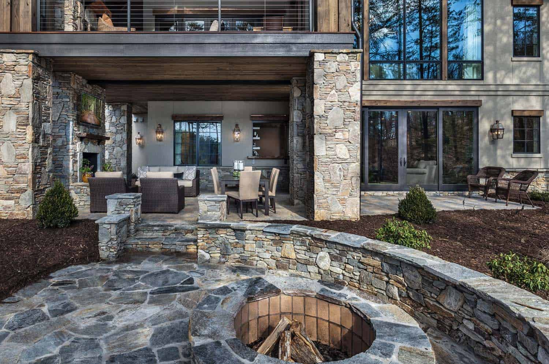 retraite-au-bord-du-lac-rustique-terrasse-exterieure-foyer